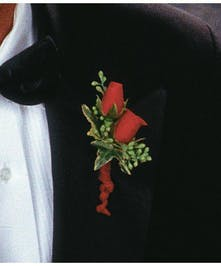 Boutonniere Spray Roses